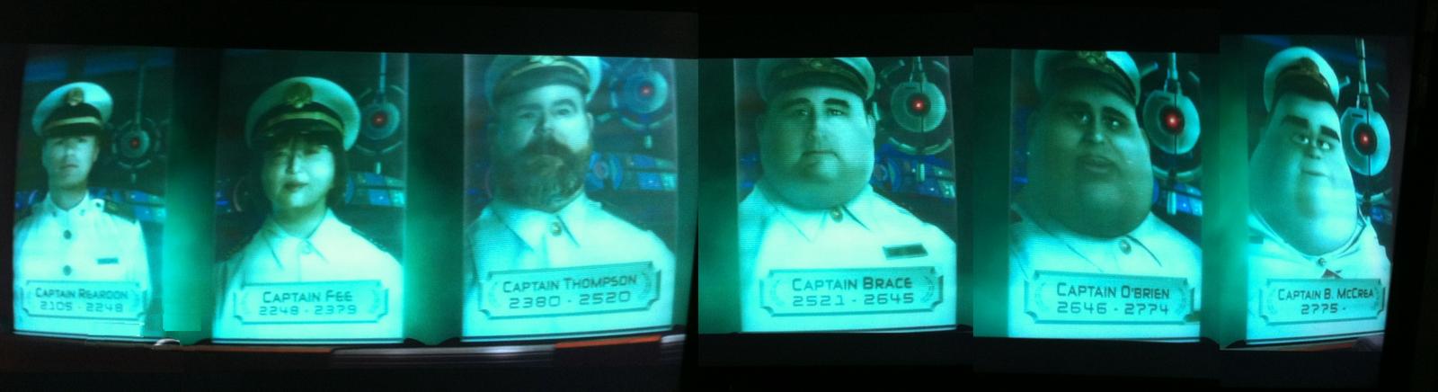 历届舰长的肖像也是。最早的像真人,越往后越动画
